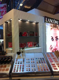 Lancome display panels