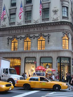 Elizabeth Arden & Zara shop (Shopping in the 5th Ave - New York)