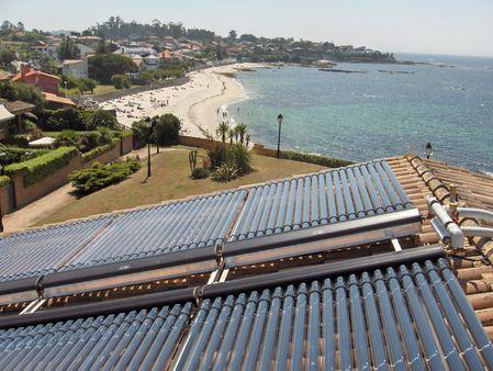 Enerxía solar térmica con tubos de baleiro