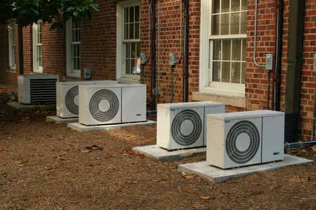 Series of air conditioners at UNC-CH . | Source | Author Ildar Sagde