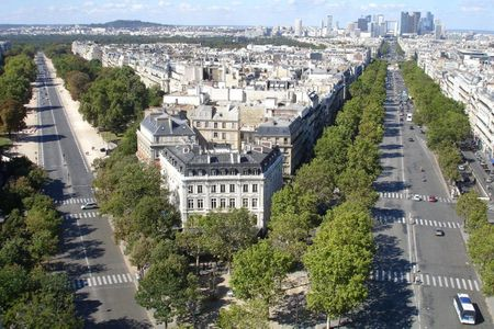 View from the top of Arc de Triomphe, Paris, France | photographer jul