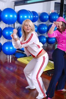 girls dancing in a fitness studio