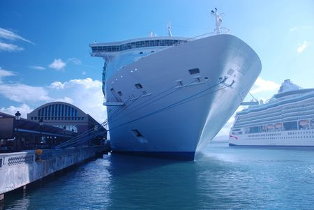 Ship cruise