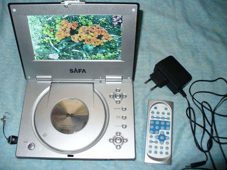 1 Safa/Fuss/Saba/Promedion DV9805 Portable DVD player with its remote