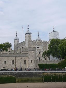 1 The Tower of London 1 La Tour de Londres | Source | Author Simdaperc