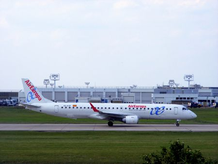 Air Europa Embraer 195SR EC-KYP @ Paris Orly