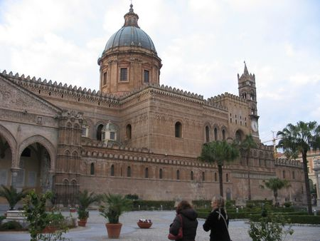 Partial view of cathedral in Palermo, Sicily | photographer Victoria |