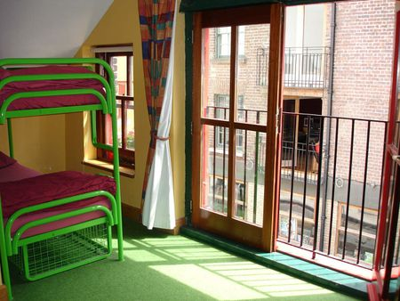Barnacles Temple Bar House / Dublin Hostel