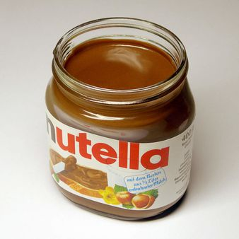 Ein Glas Nutella-Nussnougatcreme | Source Transferred from http://de.