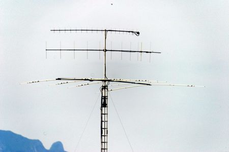 1 A typical amateur radio antenna combination: for the UHF-band (top),