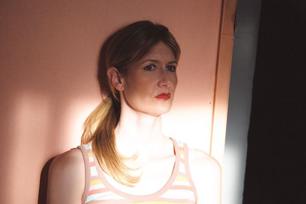 Laura Dern. Mars Distribution