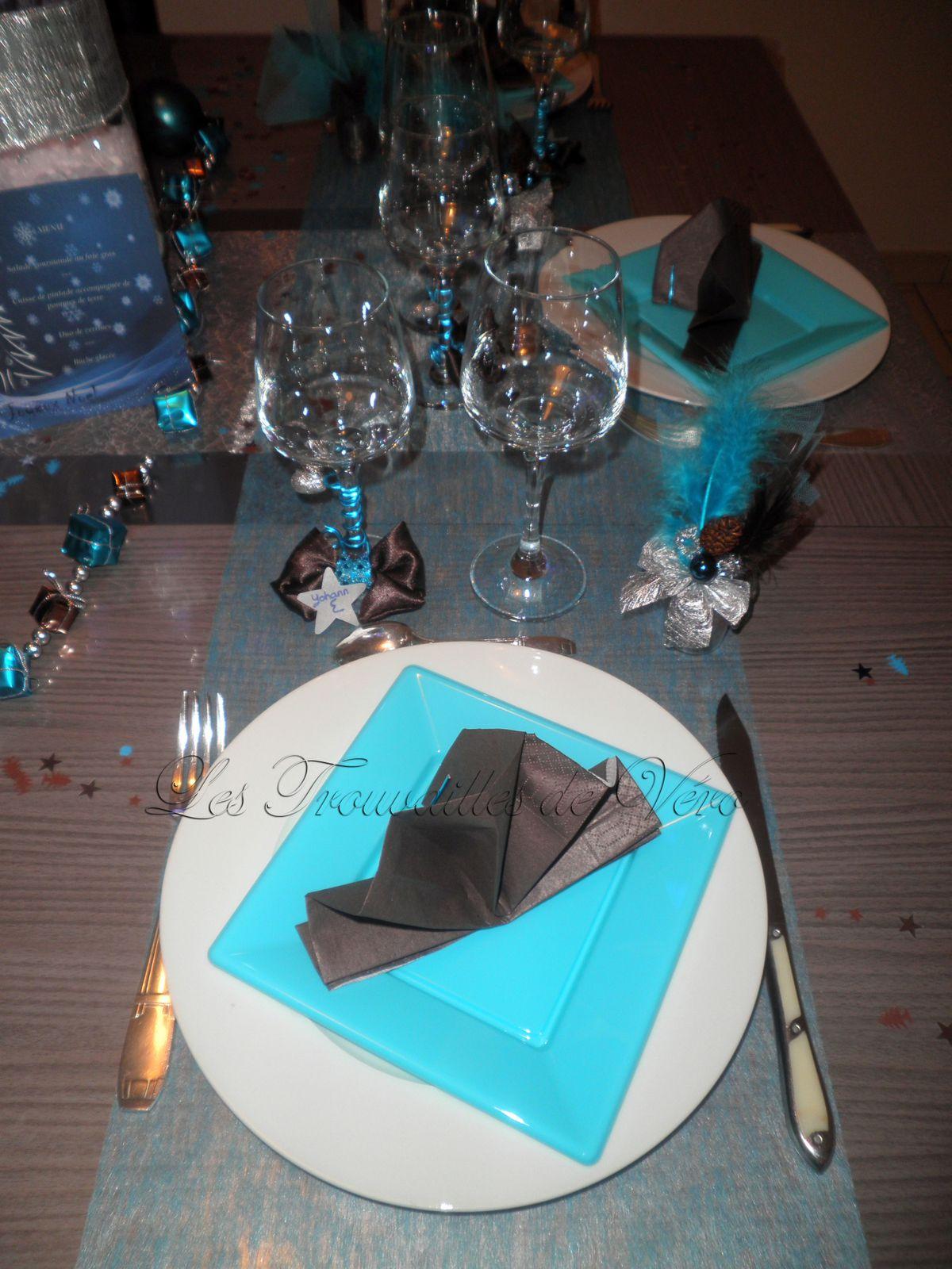 #15A2B6 Déco Table De Fête Marron Et Bleu Le Blog De Les  6205 decoration de table de noel turquoise 1200x1600 px @ aertt.com