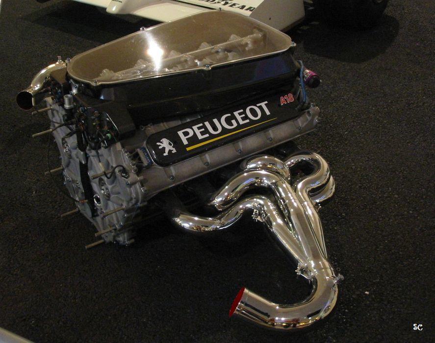 """""""L'Aventure Peugeot"""" retrace ici l'histoire de la marque Sochalienne. Une visite à ne pas manquer si vous passer par la région ! et à faire régulièrement si vous habitez cette belle région ! Ouvert tous les jours de l'année sauf le 1/1 et le 25/12."""