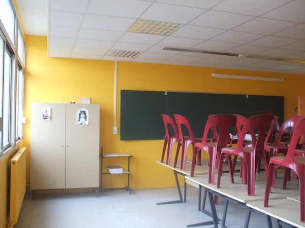 classroom_orange.JPG