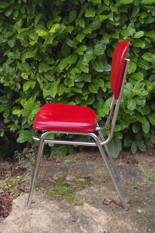Chaise de cuisine rouge chouette vintage for Chaise cuisine rouge