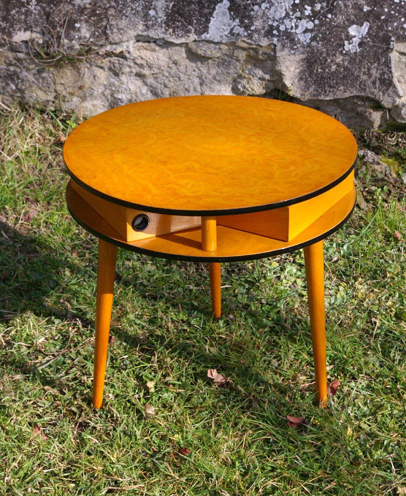 Table basse tripode a trois tiroirs chouette vintage - Table basse trois pieds ...