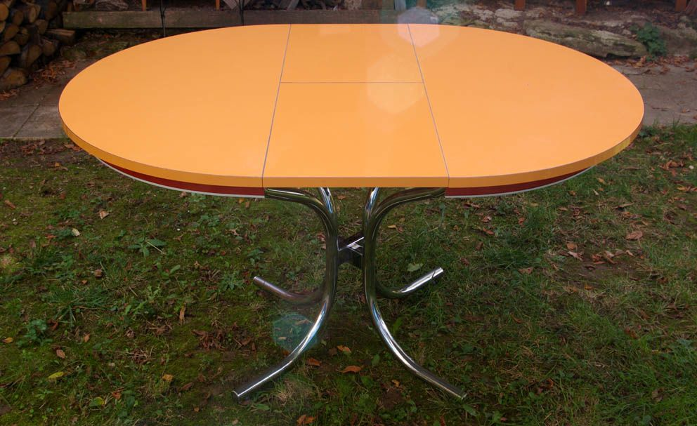 table en stratifie orange des annees 70 chouette vintage