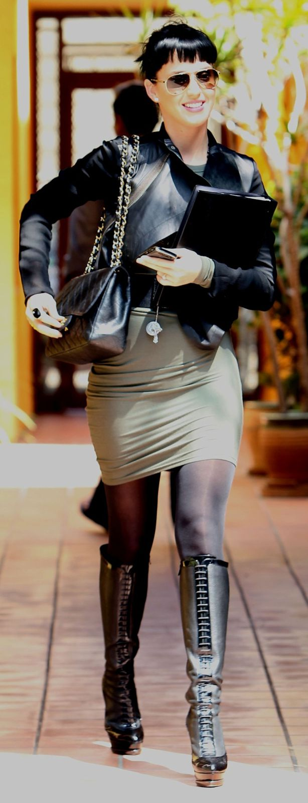 Katy Perry (Singer) - ...