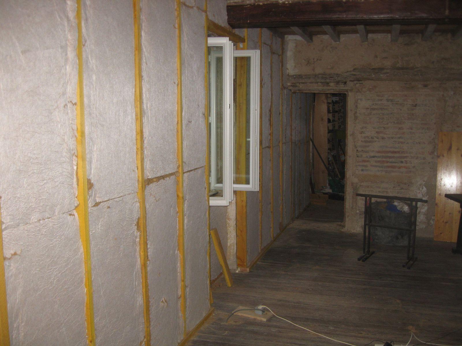 isolation work in progress 3 r novation d 39 une maison du beaujolais. Black Bedroom Furniture Sets. Home Design Ideas