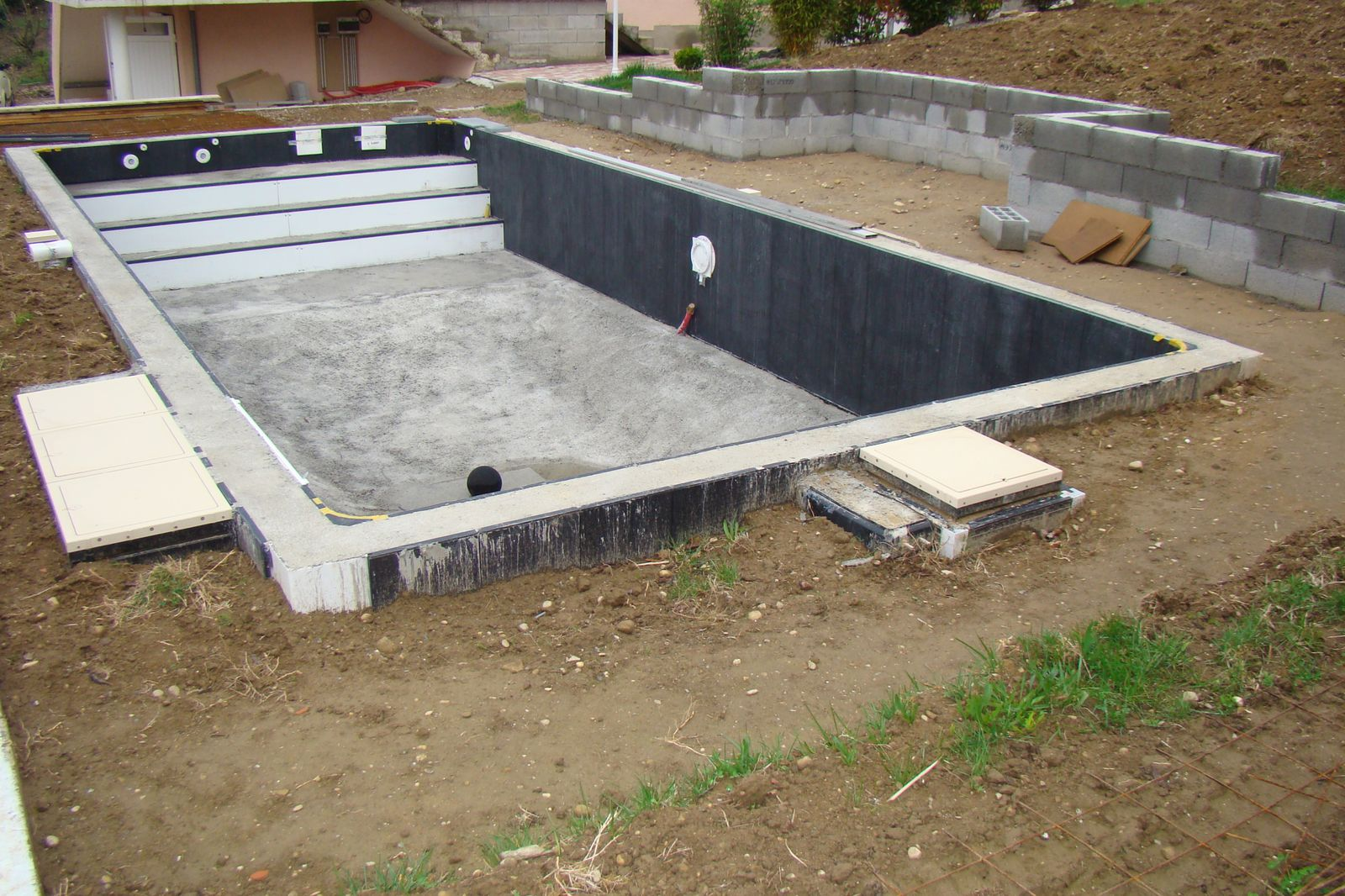 La pose d 39 un kit assist magiline 2011 ce blog a pour for Construction piscine 8x4