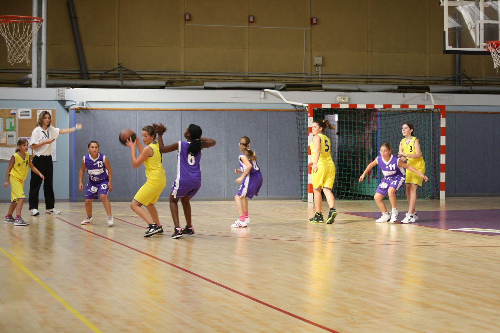 Les 9 joueuses : Marine, Amélie, Inès, Margaux, Charlotte, Agathe, Emilie, Léa et Tamara.
