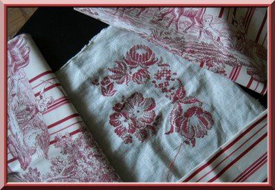 Broderie-coussin-chambre--en-cours--2.JPG