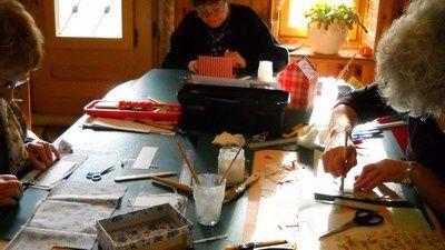 Cours Cartonnage Arvigna le 6 janvier 2012 003