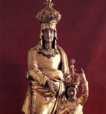 steAnne statue ste Anne d'Auray