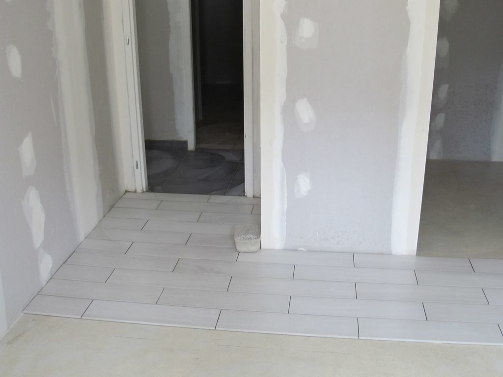 D but du carrelage le blog de guillaume et for Carrelage gris blanc