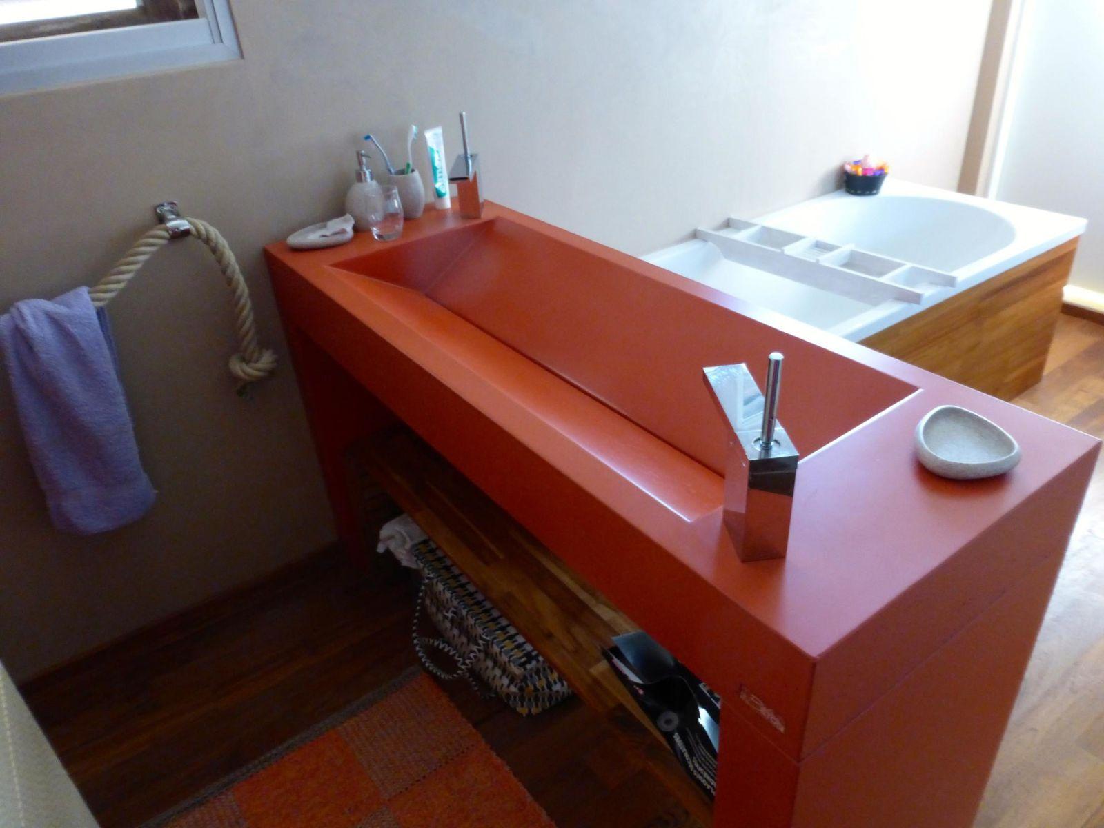 Plan vasque lavoir double pente balian beton atelier for Vasque sous plan salle de bain
