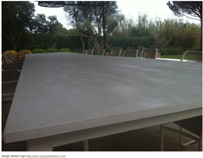 Table de reunion en b ton balian beton atelier for Table exterieur acier