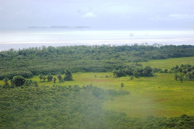 IMGP4305 Cote Ocean et Iles de Salut
