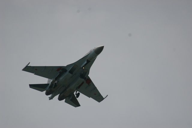 IMGP5473 50 Salon du Bourget SU-35