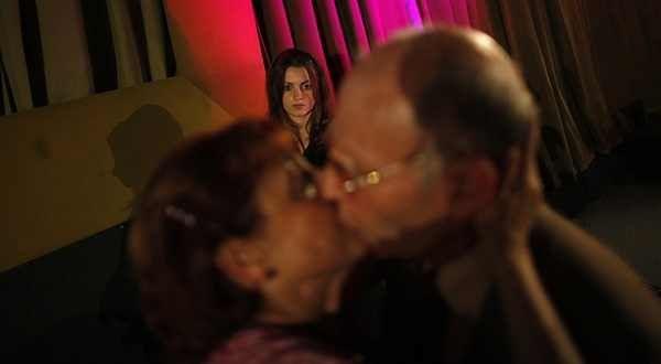 vieux-concours-baiser-reuters.jpg