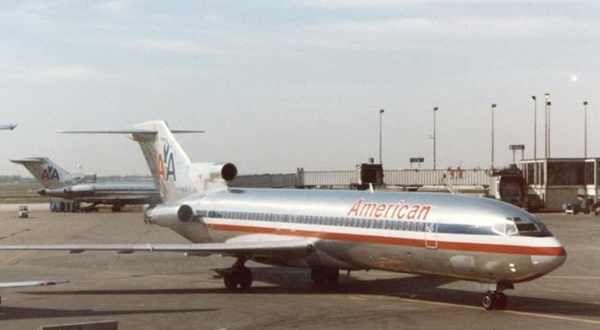 Le-Boeing-727-223-N844AA.jpg