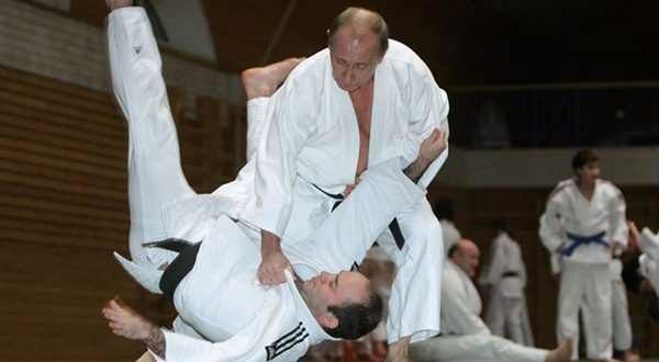 Vladimir-Poutine-participe-a-un-entrainement-de-judo.jpg