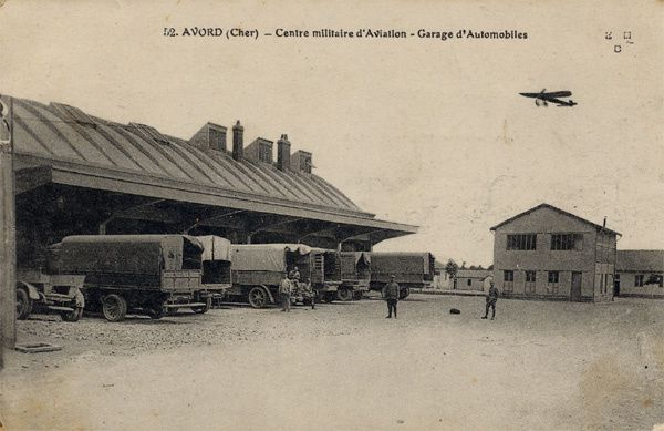 Avord-garage-à-camions
