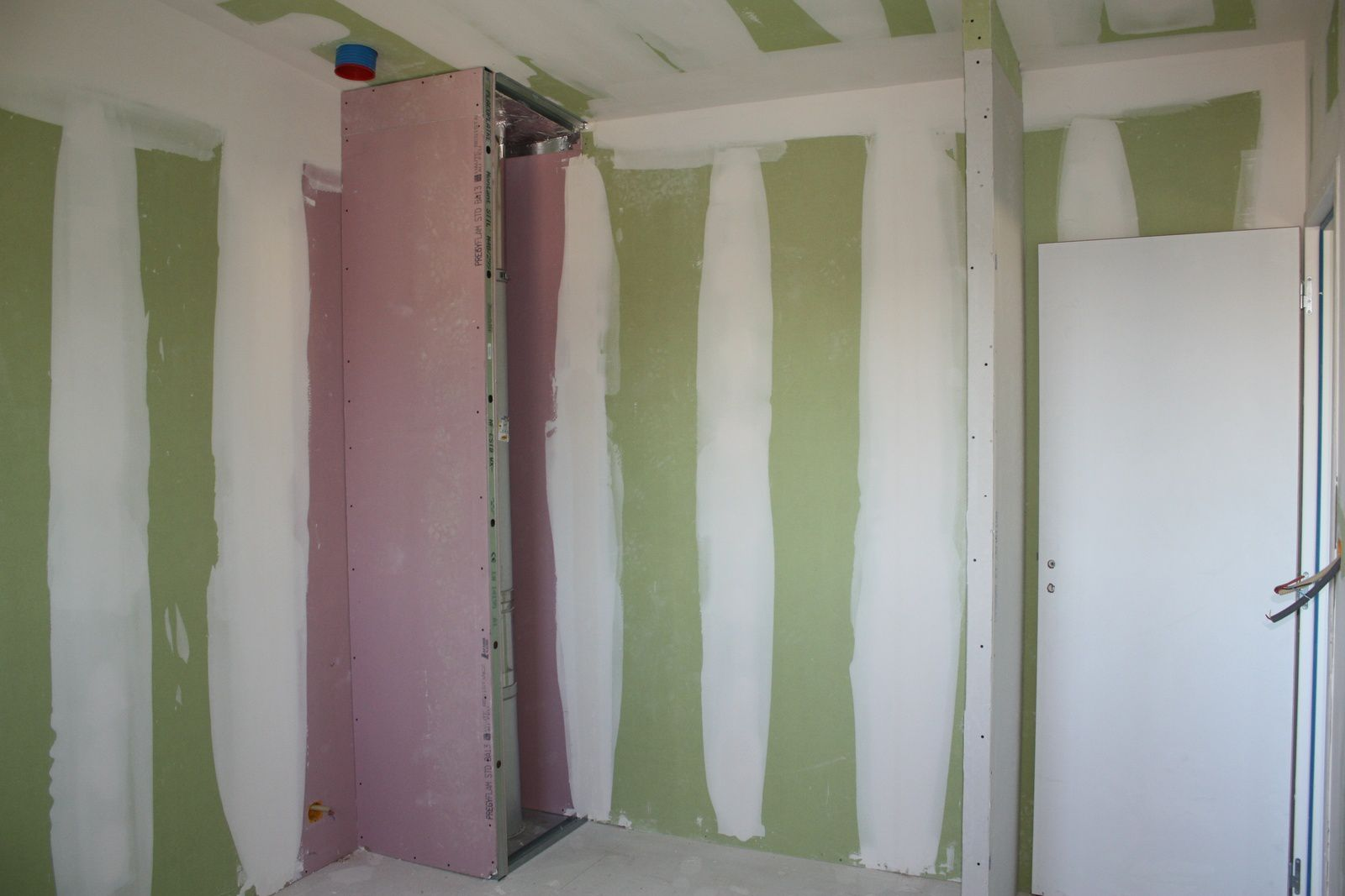 poele a bois placo obtenez des id es de. Black Bedroom Furniture Sets. Home Design Ideas