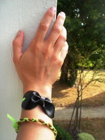 Bracelet noeud fluo