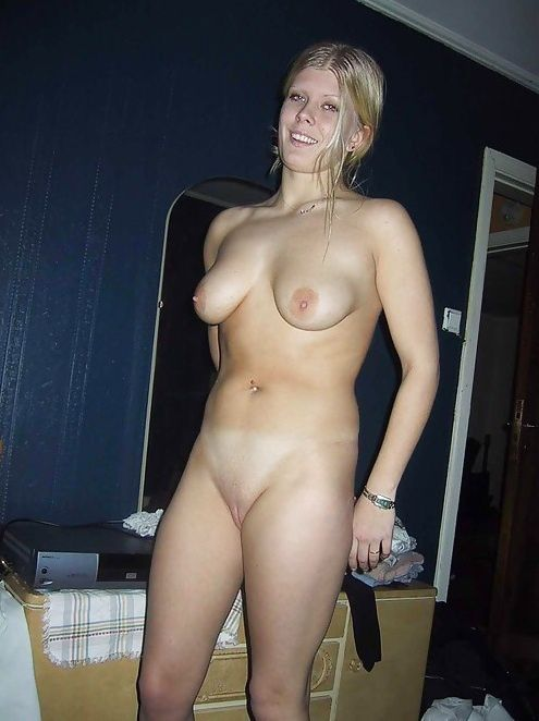 amateur nude girls on camera