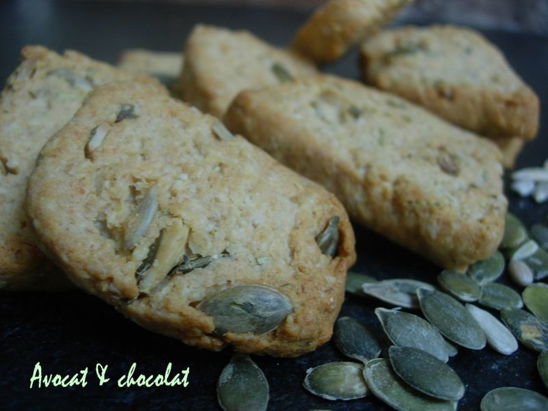 Biscuits_croquants_au_parmesan___graines_de_courges_et_de_tournesols__3_