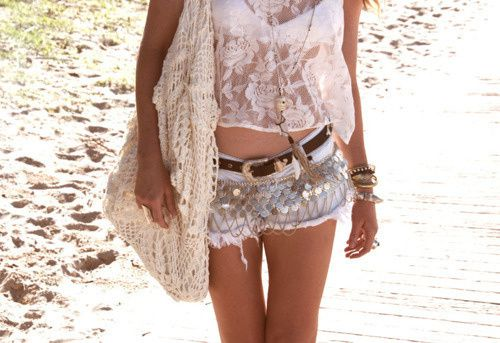 beach-fashion-girl-girly-gold-chains-Favim.com-130425_large.jpg