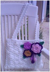 Sac blanc aux belles fleurs