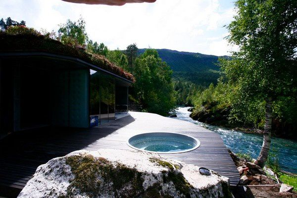 Juvet-Landscape-Hotel-with-Stunning-Views-Of-Noway-Wilderne