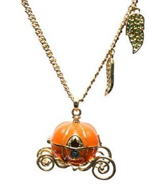 cendrillon-halloween-pendant.jpg