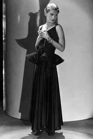 Lee-Miller-in-Lanvin--Horst--Vogue-1931.jpg