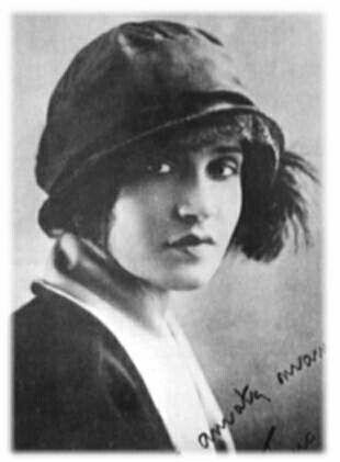 Tina-Modotti--nee-Assunta-Adelaide-Luiga-Modotti--16-aout.jpg