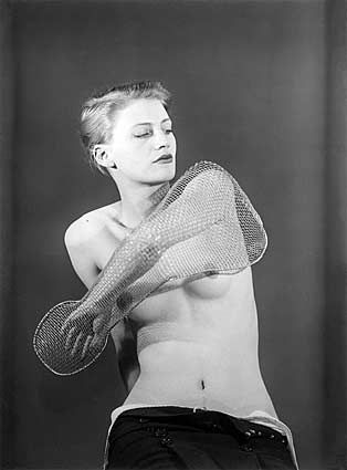 lee-miller-by-man-ray-1930.jpg