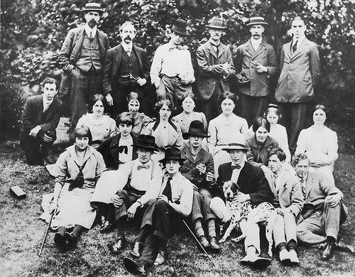 Slade-School-of-Fine-Arts-de-pique-nique--circa-1912.jpg