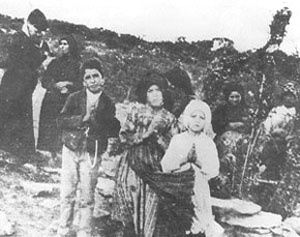 Fatima-Apparition-13-septembre-1917.jpg